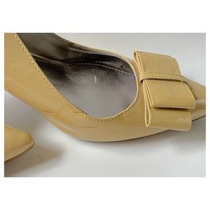 Marc Fisher Shoes - Marc Fisher low heels patent leather pumps.